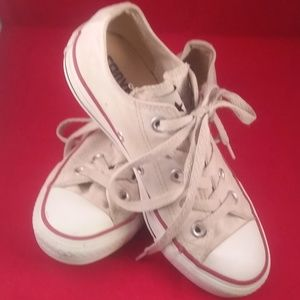 """CONVERSE ALL-STAR Low Top White Sneakers """"Size  5"""""""